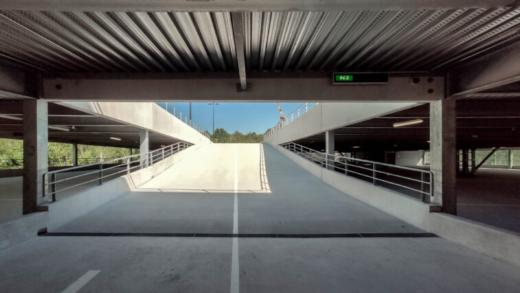 RENAULT eTCR Parkings 200 - aotu architecture office ltd.